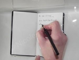 Schreiben unter Wasser. Neu, aber es funktioniert.