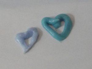 Hellblau und Türkis - nur einer der Unterschiede der beiden neuen Zahnpast von SIGNAL Expert Protection.