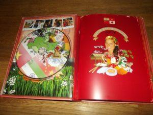 So sieht die Doppel-DVD-Hülle von innen aus.