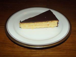Ein Stück Baumkuchen - sehr lecker. Beim nächsten Mal würde ich noch mehr Schichten auftragen. Jetzt weiß ich ja wie es geht..