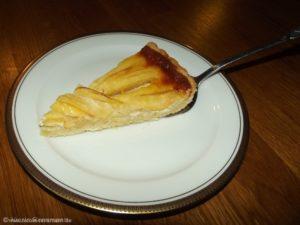Ein Stück der französischen Apfeltarte ist eigentlich zu wenig.