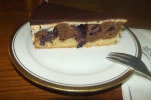 Donauwellen--Torte - Ein Stück