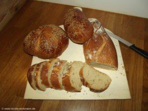 Drei Varianten: Knoten, Baguette und irgendwie oval. :-)