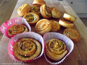 Bruffins mit Mandeln, Zucker und Zimt
