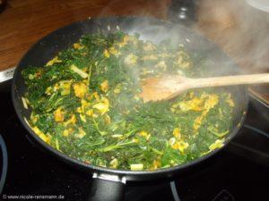 Grünkohl als Resteverwertung, hier mit Reis und Kürbispüree