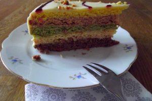 Regenbogenkuchen - mit natürlichen Farben gefärbt