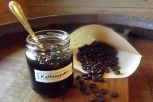 Kaffeegelee - damit kein Kaffee weggeschütet wird.