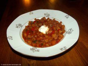 Würziges Kartoffelgulasch mit Paprika