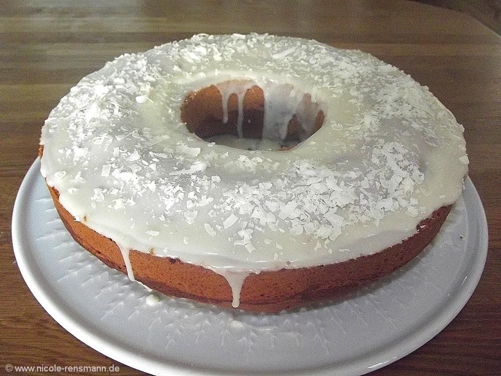 Orangen-Nougat-Cake mit Rum-Orangen-Glasur
