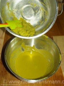 Erst pürieren und dann durch ein Sieb streichen - so wird Suppe draus. Lecker!