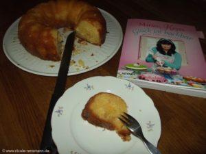 """Kokosmilchkuchen aus """"Glück ist backbar"""" von Marian Keyes"""