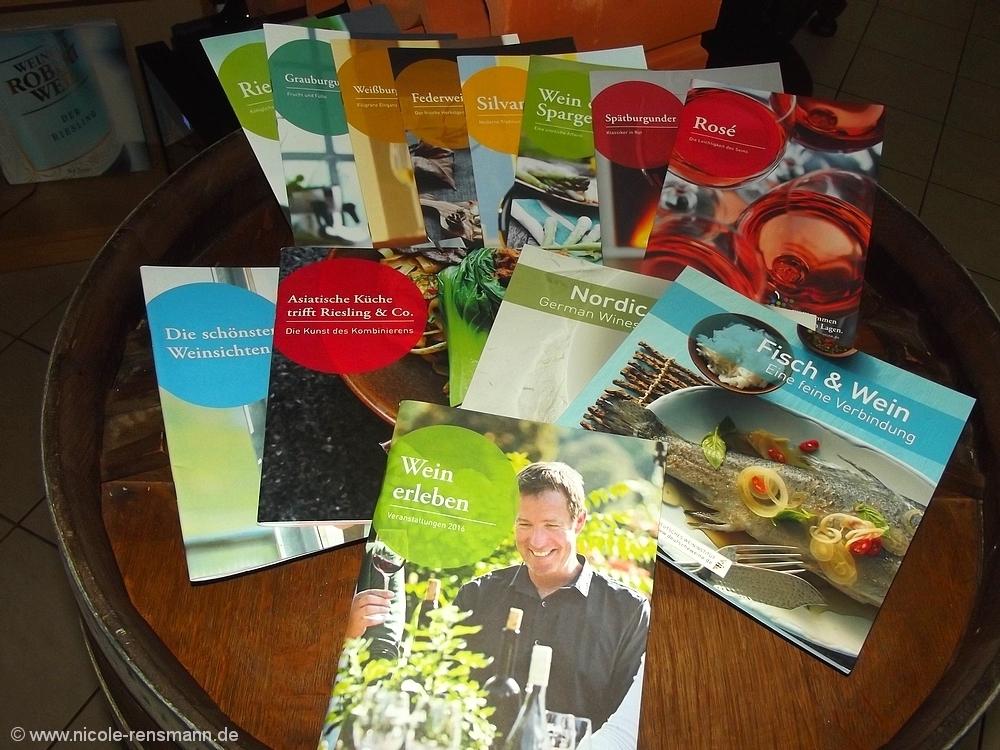 Broschürenvielfalt vom Deutschen Weininstitut mit Rezepten - informativ und gratis