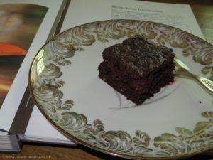 Brownies mit Walnüssen und in Whisky eingelegten Datteln oder Feigen