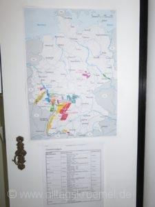 Die 13 deutschen Weinanbaugebiete hängen auch bei mir am Schreibtisch.